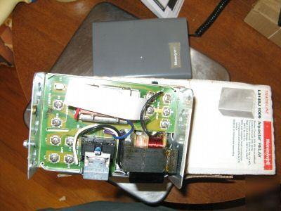 new honeywell l8148j 1009 aquastat relay. Black Bedroom Furniture Sets. Home Design Ideas